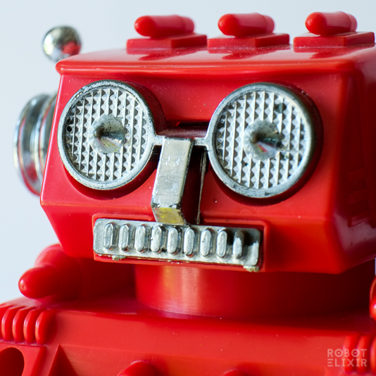 New Bright Star Fighter Robot (Red)